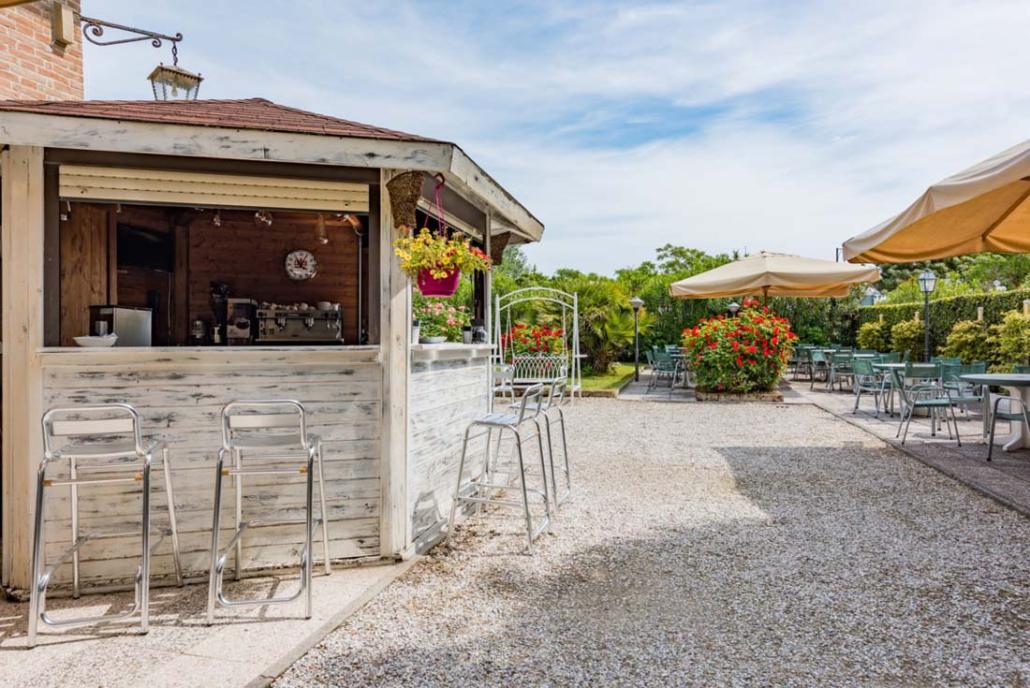 Open Bar in Giardino Hotel Stefania 3 stelle